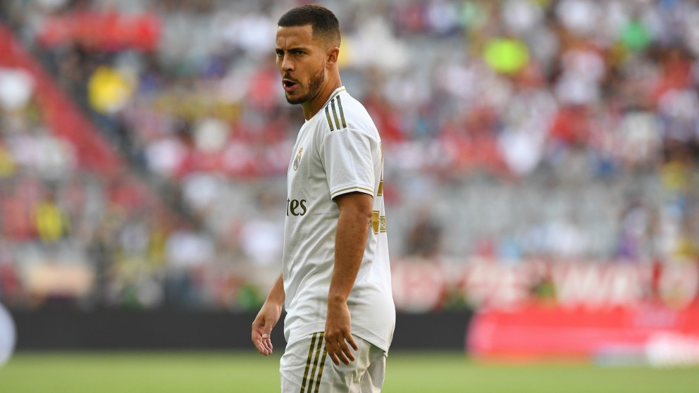 Hazard, en un partido con el Real Madrid. (AFP)