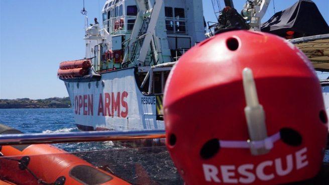 El Open Arms atraca en Italia tras la orden del fiscal