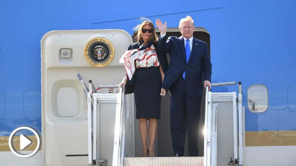 Donald Trump y su mujer a su llegada a Inglaterra. Foto: Europa Press