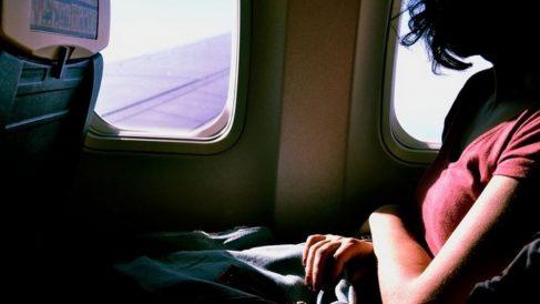 Cómo evitar mareos en el avión