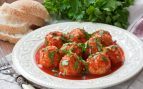 Receta de albóndigas con salsa de tomate y coco