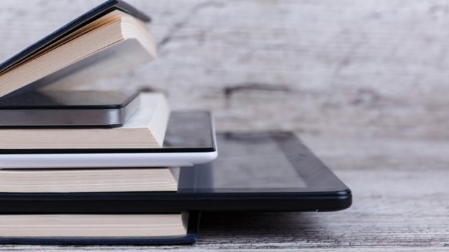 Hacer una funda para Tablet con un libro viejo