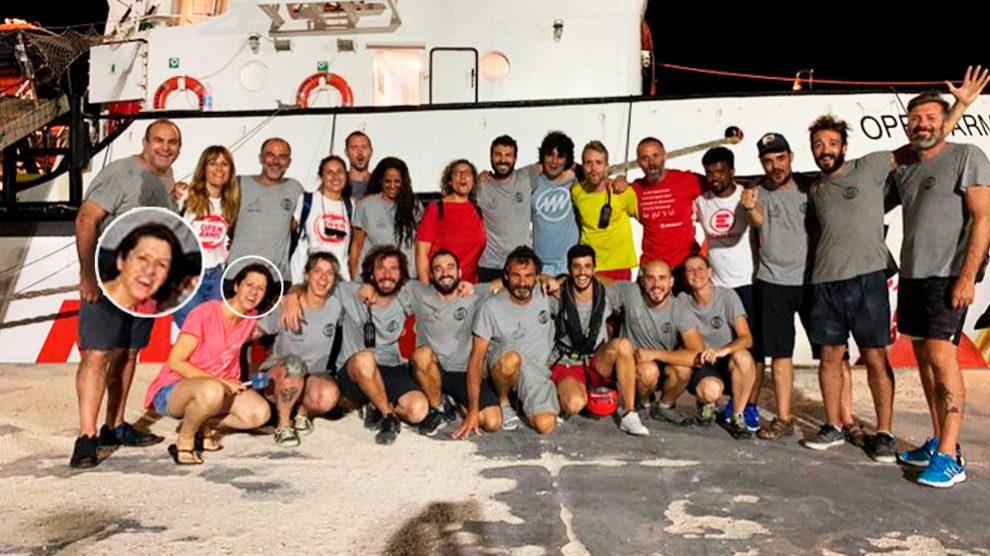 Yolanda Álvarez, reportera de TVE a bordo del Open Arms, junto al resto del equipo de la ONG.