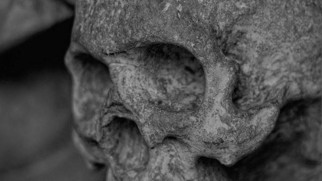 Descubrieron que dos esqueletos tenían el cráneo notablemente modificado.