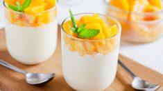Crujiente de yogur y mango