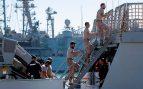 El 'Audaz' ya ha llegado a Lampedusa pero espera nuevos «acontecimientos» fondeado en la costa