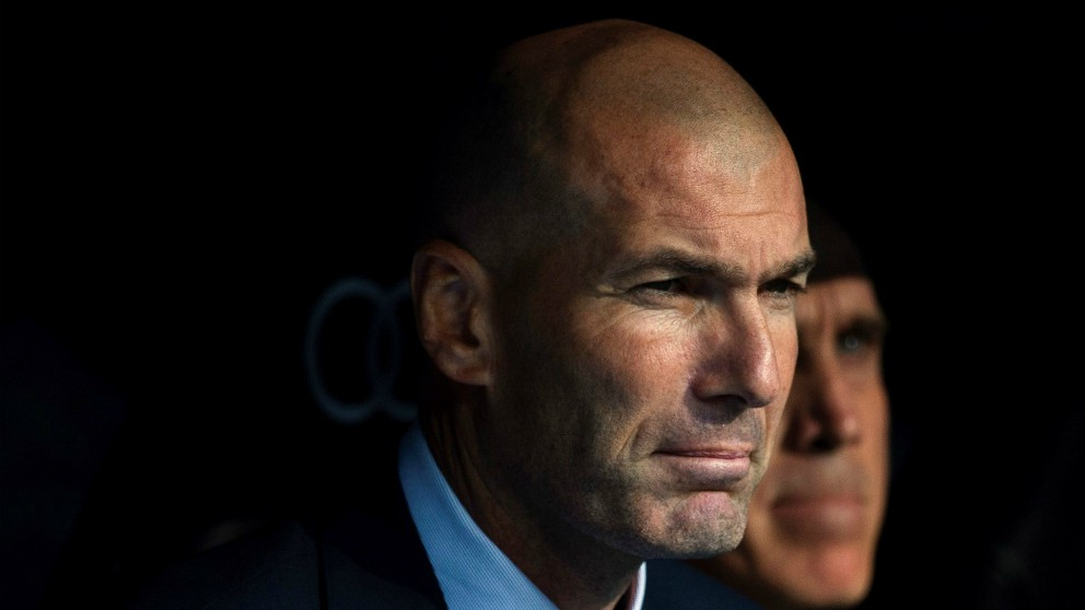 Zidane, en el banquillo. (EFE)