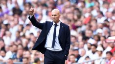 Zidane,-en-el-encuentro-entre-el-Real-Madrid-y-el-Valladolid-en-el-Santiago-Bernabéu-(Getty)