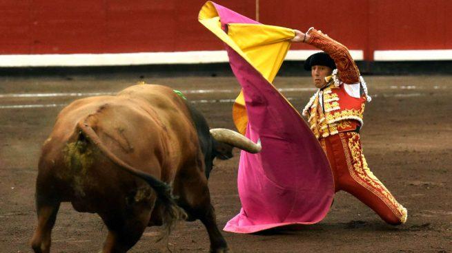 Escribano consigue una meritoria oreja en el cierre de la Feria de Bilbao