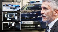 Marlaska incorpora vehículos «inteligentes» a la flota de la Policía Nacional.