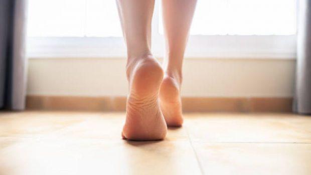 como blanquear los pies