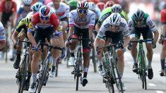 Jakobsen ganó a Sam Bennett en la Vuelta.