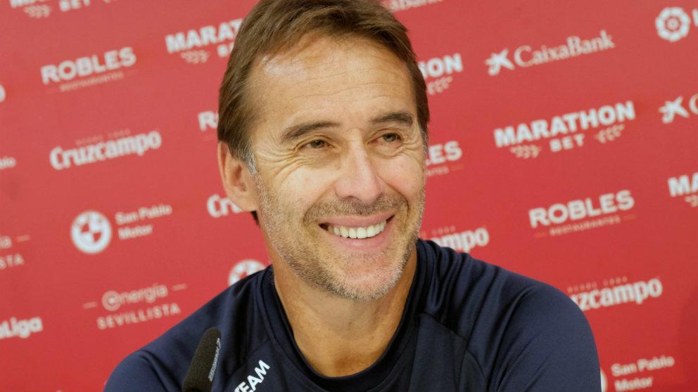 Julen Lopetegui, técnico del Sevilla, en rueda de prensa (EFE)