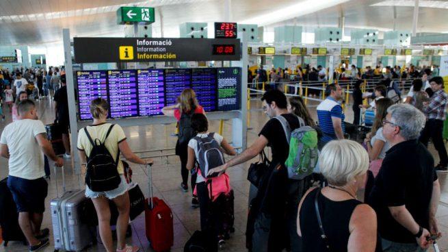 Normalidad en Barajas y El Prat durante la jornada de huelga del personal de tierra de Iberia