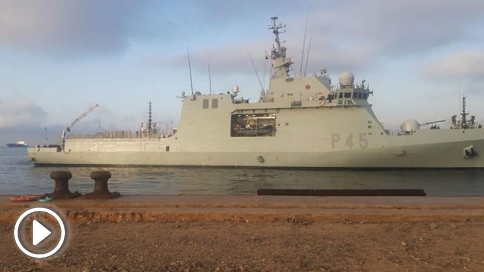 Llegada del 'Audaz' a San Roque, en Cádiz con los inmigrantes del 'Open Arms' a bordo.