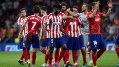 Los jugadores del Atlético de Madrid celebran la victoria. (EFE)