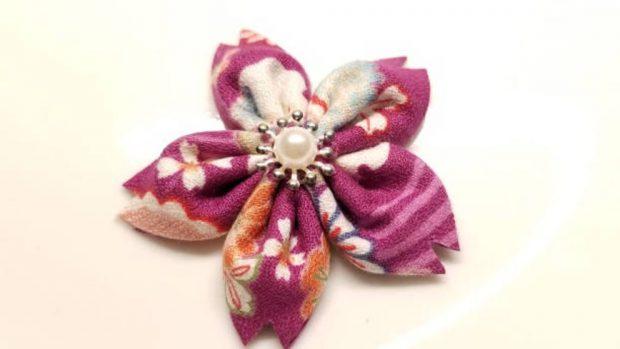 como hacer una flor de kanzashi