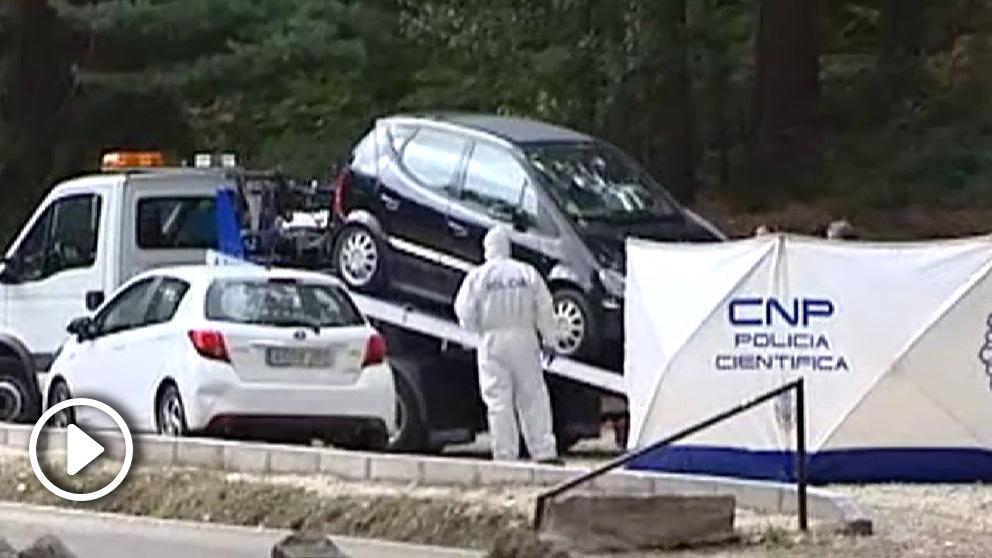 La Policía Científica analiza el coche de Blanca Fernández Ochoa.