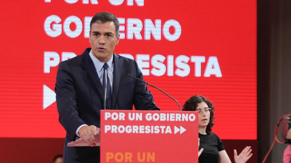 Sánchez, este martes, presentando el programa común progresista.(Foto: Francisco Toledo)