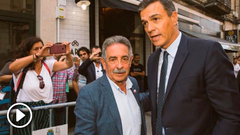 Revilla, con Sánchez, antes de su encuentro en Santander.