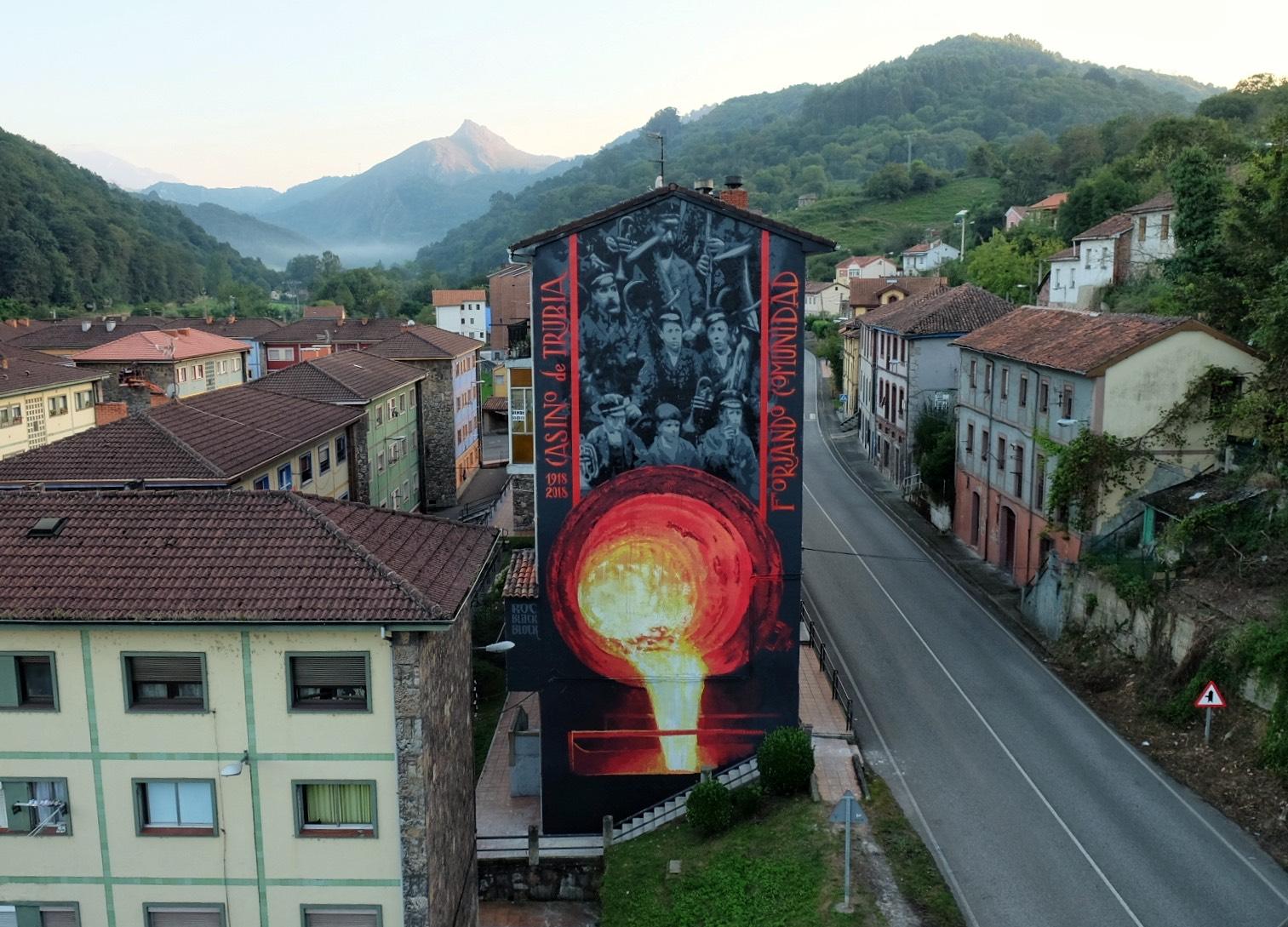 El mural del catalán Roc en Trubia. / Foto: Fernando Alcalá