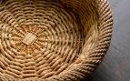decorar un cesto de mimbre con decoupage