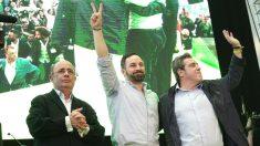 Ignacio Gil Lázaro, diputado de Vox en el Congreso, Santiago Abascal, presidente de la formación, y José María Llanos, ex presidente provincial de Vox. (Foto: Europa Press).