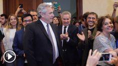 El candidato peronista Alberto Fernández jaleado en el Congreso por Unidas Podemos. (Foto: Francisco Toledo)