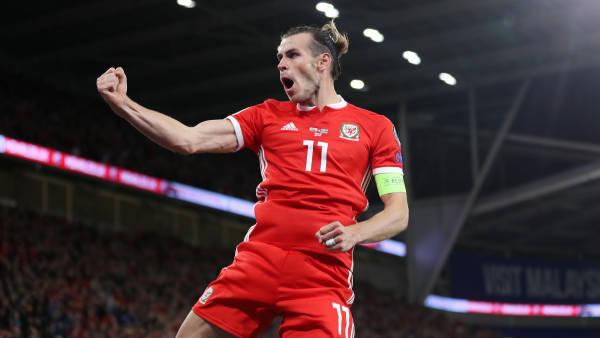 Bale celebra su gol ante Azerbayán.