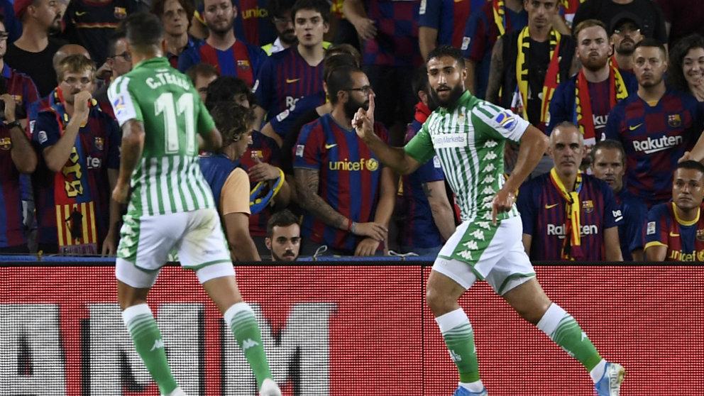 Nabil Fekir celebra un gol ante el Barcelona (AFP)