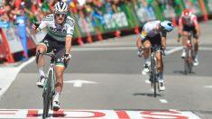 Bennett celebra su victoria en la Vuelta. (AFP)