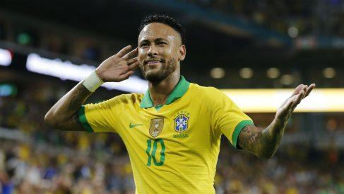 Neymar celebra su gol en el choque en el que Brasil se midió a Colombia. (AFP)