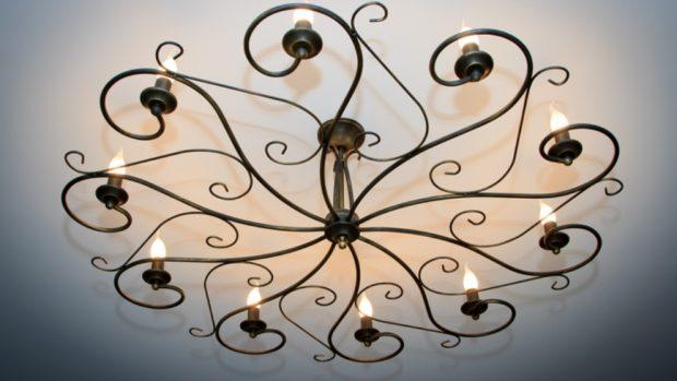 Cómo pintar una lámpara de araña
