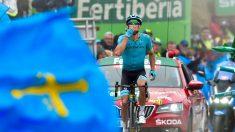 Fuglsang celebra su victoria en La Cubilla. (AFP)