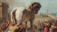 Conoce cuántos griegos entraron en el Caballo de Troya