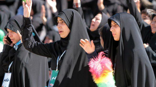 Irán no recula y mantiene el veto a las mujeres en los estadios pese a la muerte de una joven que se imnoló