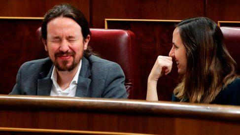Pablo Iglesias junto a Ione Belarra.