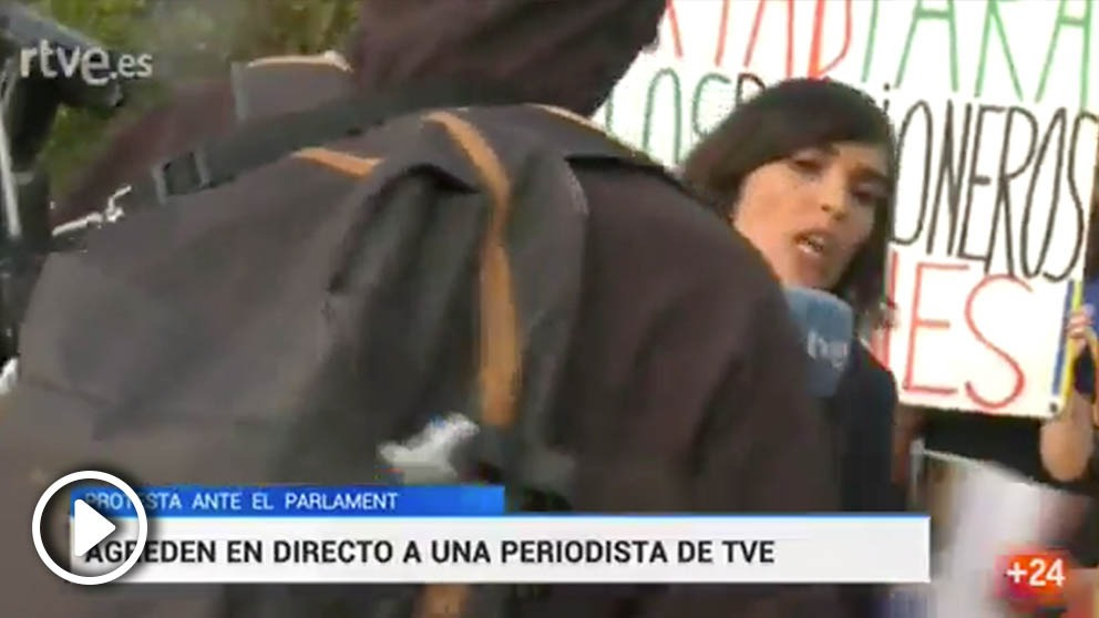 Reportera de TVE en la Diada @Twitter