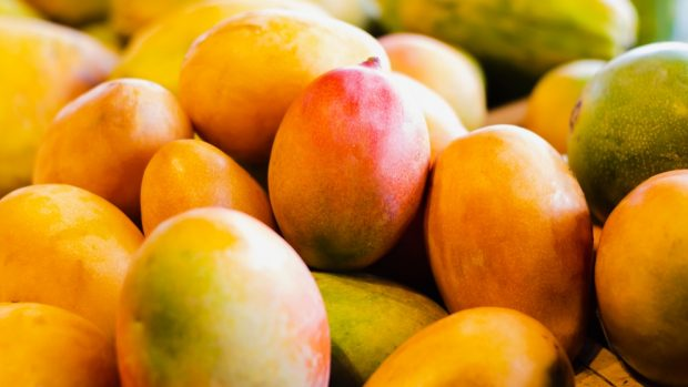 Heura crujiente con salsa de mango