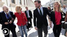 Rosa Díez en compañía de PAblo Casado y Cayetana Álvarez de Toledo entrando al Congreso de los Diputados. Foto: EP