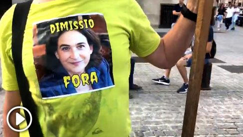 Manifestación contra Ada Colau.