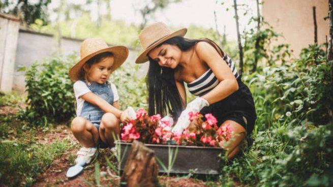 hacer jardineria con los niños