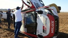 El Toyota de Fernando Alonso volcó en Sudáfrica. (Foto: Erik de Jager)