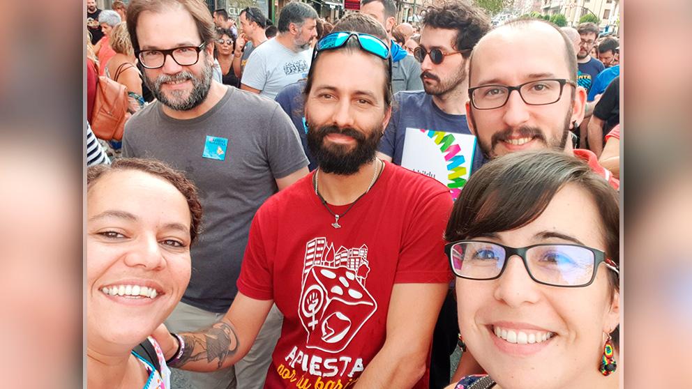 Cargos de Podemos en la marcha a favor de los encausados del 'frente de makos' de ETA. (Foto: @tinixaraguanche vía Twitter)