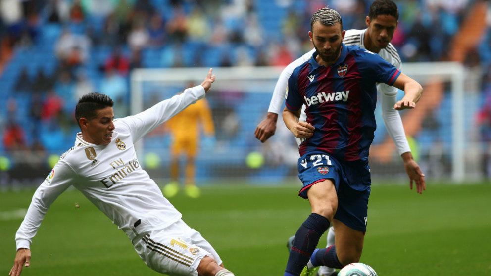 Borja Mayoral con el Levante en el Santiago Bernabéu (EFE)