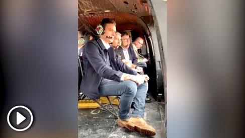 Pedro Sánchez sobrevolando en helicóptero las zonas afectadas por la DANA. (Imagen: Moncloa)