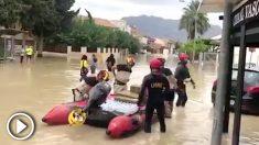 Militares de la UME trabajando sobre el terreno.