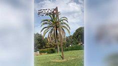 Estelada de metal colocada por el Ayuntamiento de Sant Andreu de Llavaneras.