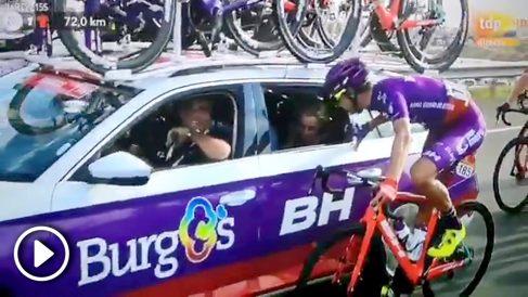 Un ciclista pidió matrimonio a su novia durante la Vuelta a España.