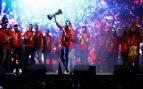Miles de aficionados recibieron a los campeones del mundo en Colón